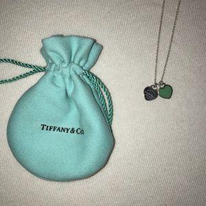 •Tiffany & Co. jewelry set•